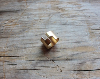 The Great Divide. Geometric Brass Adjustable Ring