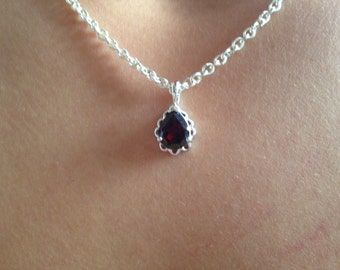 Lovely vintage sterling and garnet necklace with 18 inch sterling chain