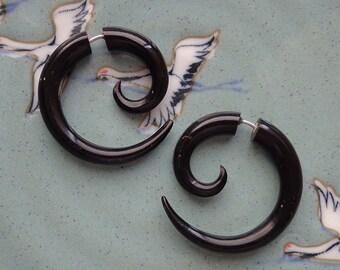 Fake Gauges - TRIPPI - Medium Spiral Earrings - Hand Carved Natural Black Horn - Tribal Style Design