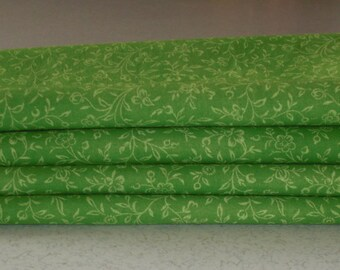 "16.5"" x 16.5"" Eco-Friendly Lime Green Cloth Napkins"