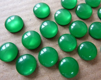 20 acrylic cabochons, Ø8mm, silky green, resin, round