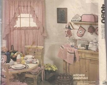 Vintage Sewing Pattern McCall's Crafts 4090 Kitchen Essentials