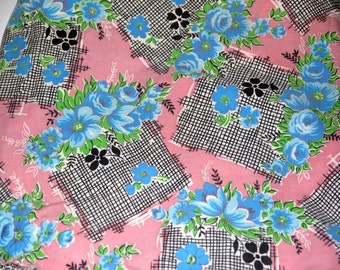 Vintage 50s novelty floral fabric / pink blue black cutter / 1950s mid century / crafts pillow cushion / sewing quilting / yardage destash