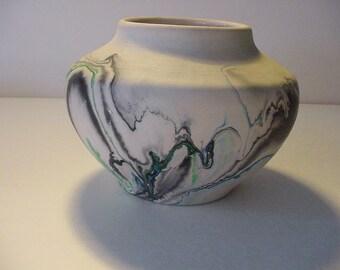 "Maker Marked Squat Vase ""Nemadji Pottery USA"" Mid-Century Vessel USA 4.5"" h x 5.5"" w 3"" w Base Excellent Condition"