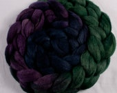 Hand-dyed Haunui New Zealand Halfbred combed wool roving (tops) - graduate dyed - 100gr Dilly Dilly over natural Dark Grey