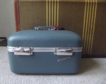 Light blue Monarck  train case