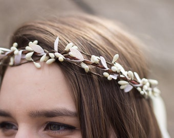 Ivory Twig Floral Crown, Pip Berries Crown, Bohemian. Woodland. Rustic crown, Spring Wedding. Bridal, Hair Wreath. hair accessory