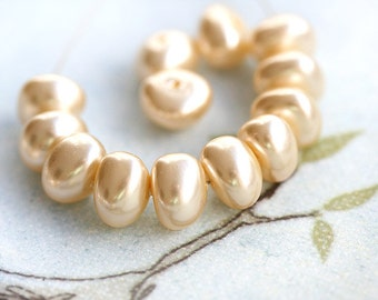 Faux pearls - Ivory Cream - czech glass beads, triangle - 8mm - 20Pc - 0255