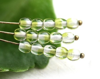 4mm Crystal Green czech glass beads, round spacers, druk - approx.85-90Pc - 1372