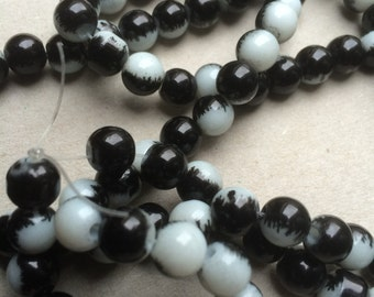 8mm Black and white mottled glass beads (spray painted) - 30 beads