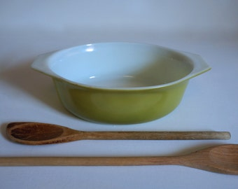 Vintage Pyrex Casserole Baking Dish Light Green - 1.5 Quart Size