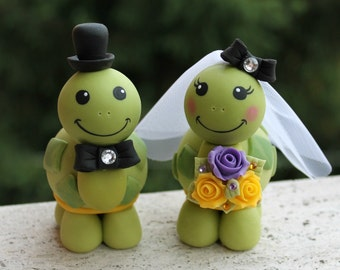 Turtle wedding cake topper, love turtles bride and groom with banner, customizable