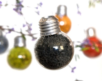 Mini Hanging Light Bulb Glass Ornament with Black Preserved Reindeer Moss, Mini Light Bulb Wall Decor, Dried Lichen Terrarium Black Ornament