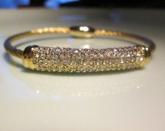 Bracelet yellow gold colored twisted cable, CENTER BAR  of faceted crystals super magnetic closure easy on and off
