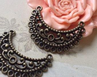 24 x 34 mm Antique Bronze (One-Sided) Curved Moon Crescent Thick Filigree Connectors (.cm)