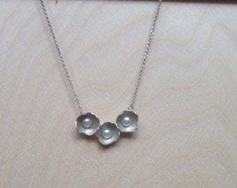 3 Pod Necklace