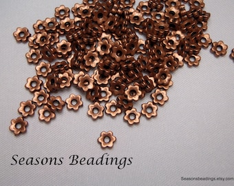 100 Bright Copper Tone 5mm Flat Flower Spacer Beads - FREE SHIPPING to Canada