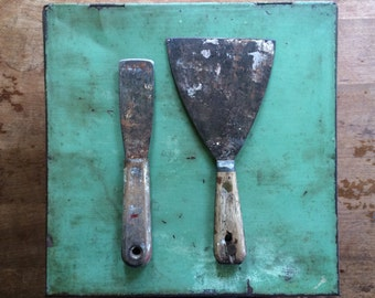2 Vintage Putty Knives