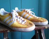 Vintage yellow and white Adidas sneakers men's 7 1/2 - women's 9