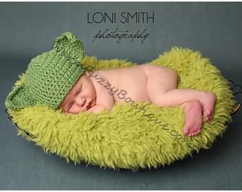 Instant Download PDF Crochet Pattern - No. 25 Yoda Hat - 6 Sizes Newborn Baby to Adult