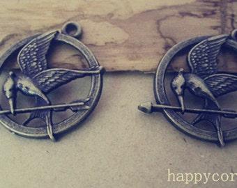 10pcs  Antique bronze Bird With Arrow  pendant charm 25mm