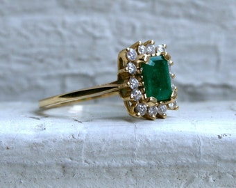 Vintage 14K Yellow Gold Diamond and Emerald Halo Ring - 1.62ct.