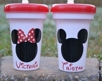 5 personalized Mickey or Minnie party favor cups with red lid and clear straw