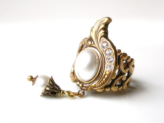Victorian Ring  - Pearl Cocktail Ring - Victorian Vintage Style Jewelry