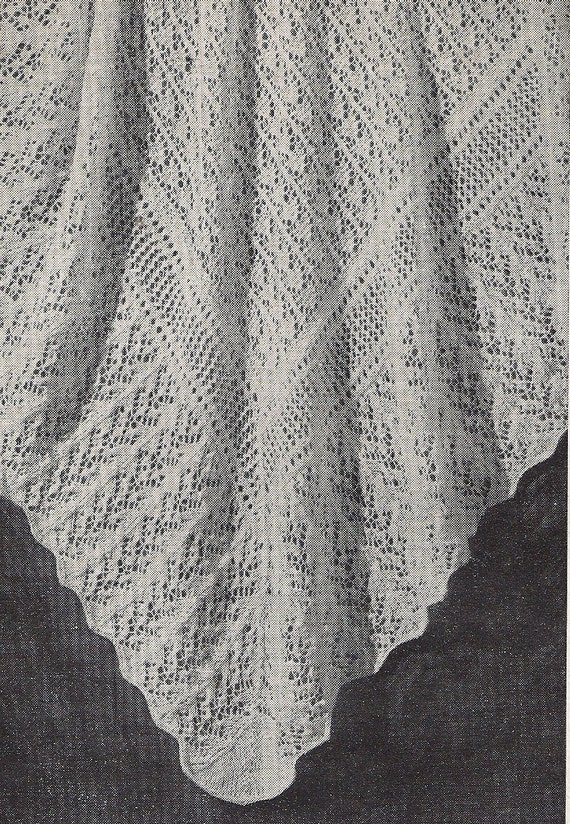 FAIRYTALE Lacy shawl or baby blanket 1940s design