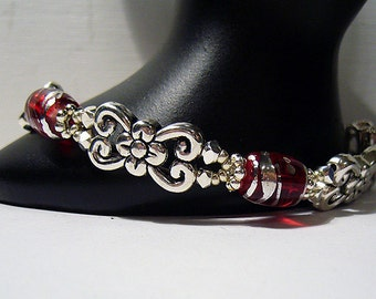 Queen of Hearts - Silver and Red Glass Bead Bracelet