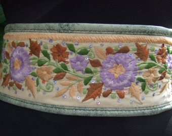 Romantic Embroidered Sequined Flower Belt c 1980s