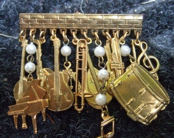 Dangling Musical Instrument Charm Brooch c 1980