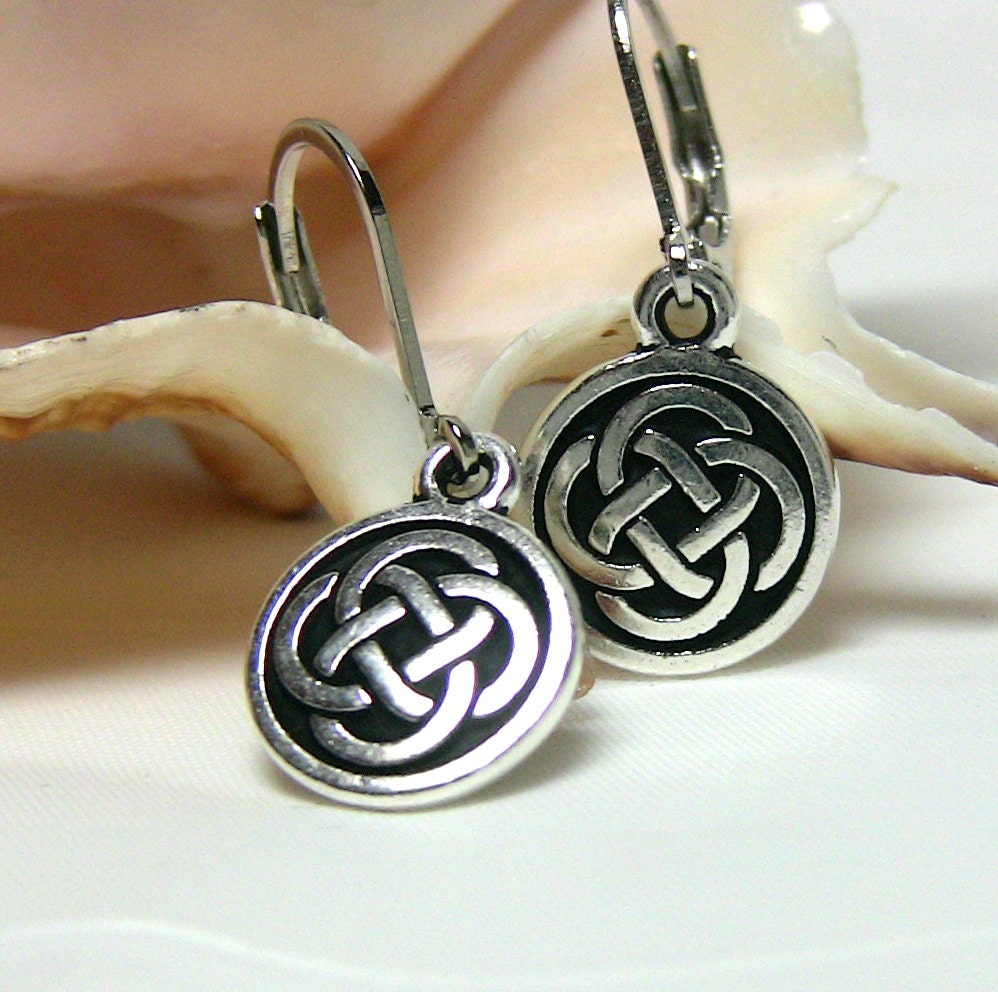 celtic knotwork earrings celtic knot earrings small celtic earring dainty silver 6161