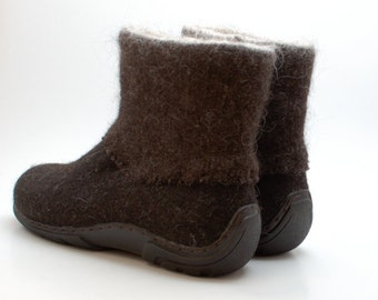 Handmade Winter Mens boots in brown - shoes for men - boots for men - Felt Shoes - Ankle Boots - wool shoes