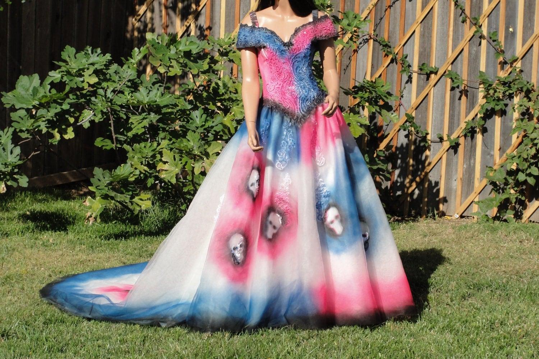 Large size 12 hand painted skeleton wedding dress dia de los for Sugar skull wedding dress