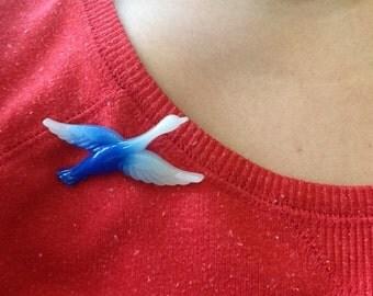 Bird Brooch Blue Plastic Pin Flying Vintage Plastic Novelty Brooch