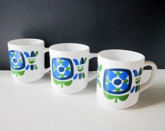 3 french vintage mugs, Mobil arcopal, 1970, Retro mig, Tasses, France, Blue kitchen