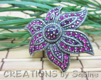 Flower Brooch, Rhinestones fusia gun metal silver tone pink rhinestones unique nature floral classy classic Vintage FREE SHIPPING (250)