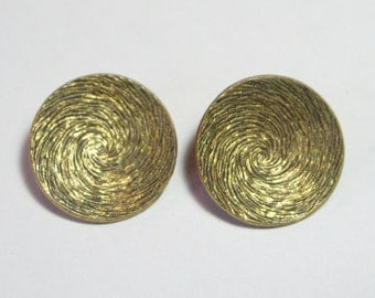 1950s Round Etched Brass Clip On Earrings