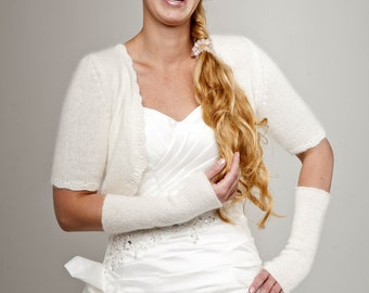 Bridal Jacket short sleeve made of soft skinfriendly wool: cashmere, baby alpaca and merino, keeps you warm in church and at the reception