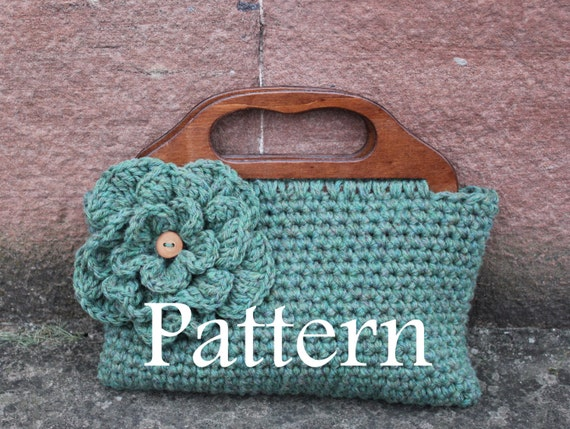 Crochet Flower Purse Pattern : crochet patterns flower purse adult size by laurimukspatterns