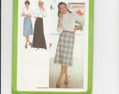 UNCUT Sewing Pattern Simplicity 9070 for Skirt in Three Lengths, Sz 14, 1970s