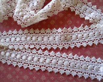 Victorian Royal Venice Lace Trim, Ivory, 1 7/8 inch wide, 1 Yard, For Apparel, Home Decor, Accessories, Costumes, Victorian Crafts