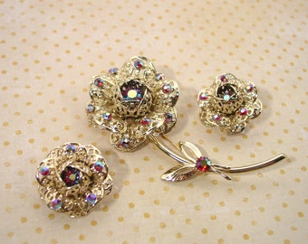 """Sarah Coventry """"Fashion Flower"""" Pin and Clip Earrings - Vintage 1971"""