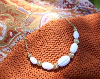 Avon Nantucket Necklace Gold Tone With White Beads - Vintage 1984