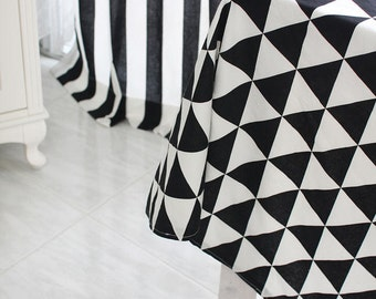 Black and White Cotton Fabric - Triangles or Stripes - Geometric - By the Yard 36118 40754
