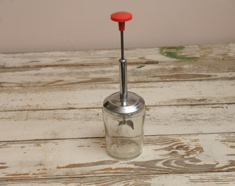 Vintage Red Onion Chopper with Lid