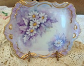BEAUTIFUL HAND PAINTED Porcelain Dish / Perfect Daisies / Lavender Background / White Daisies