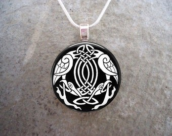 Celtic Jewelry - Glass Pendant Necklace - Celtic Decoration 4
