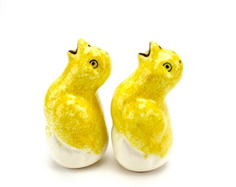 Vintage Chicks Salt and Pepper,  Farmhouse, Peep Shakers, Spring Table, Easter Figurines, Epsteam